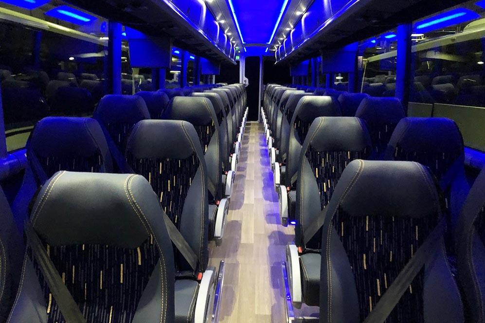Charter bus Bolivar MO